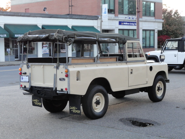 1976 land rover series iii 109 v6 convertible copley. Black Bedroom Furniture Sets. Home Design Ideas