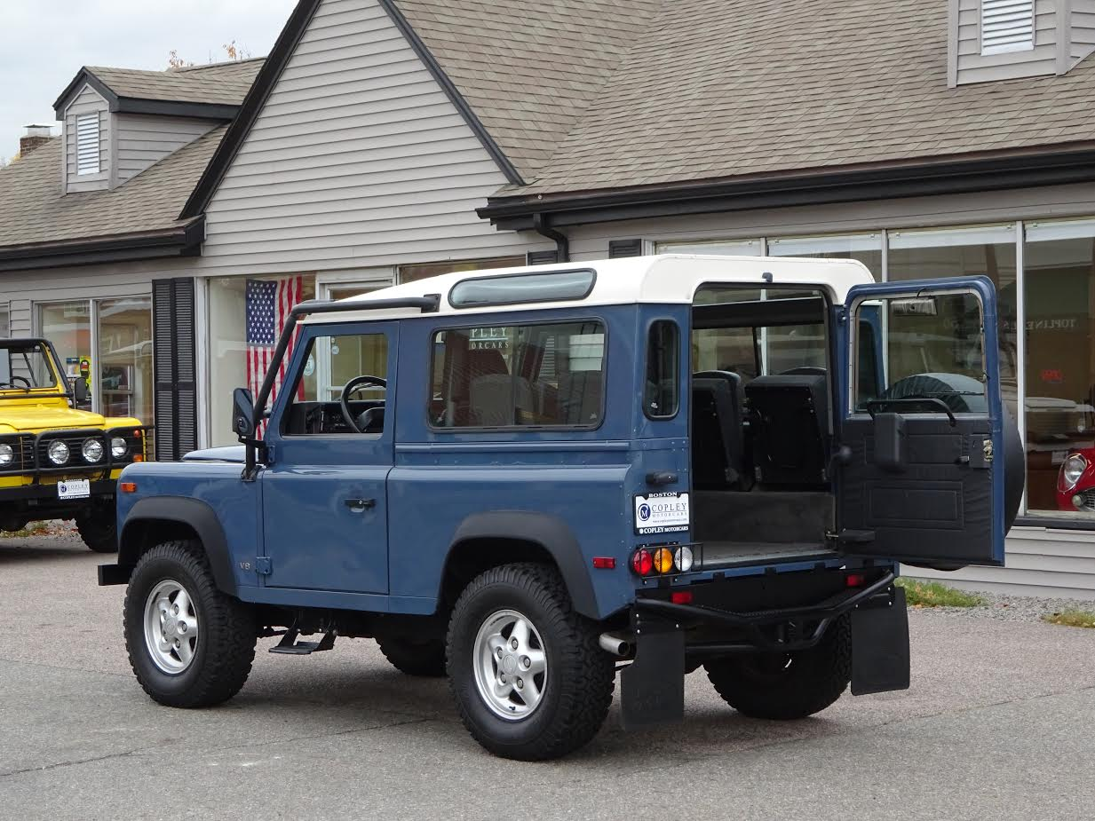 1995 land rover defender 90 station wagon 385 copley motorcars. Black Bedroom Furniture Sets. Home Design Ideas