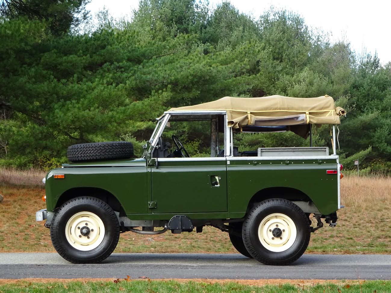 1974 land rover series iii 88 copley motorcars. Black Bedroom Furniture Sets. Home Design Ideas