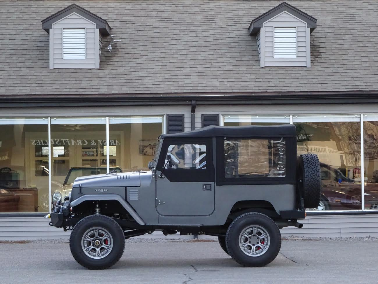 1965 toyota land cruiser fj40 icon copley motorcars. Black Bedroom Furniture Sets. Home Design Ideas