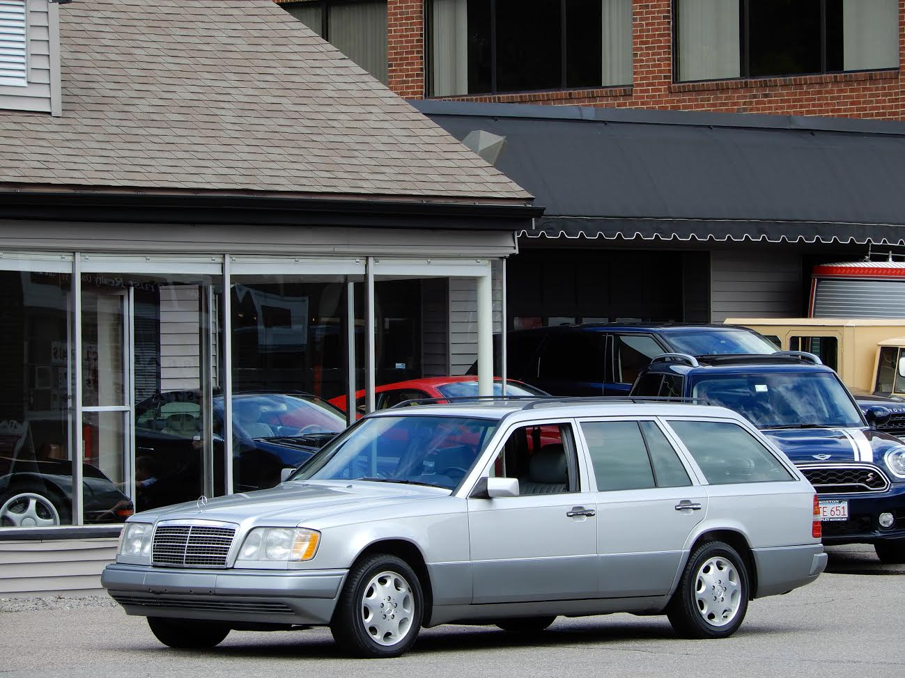 1995 mercedes benz e320 station wagon copley motorcars for Mercedes benz 1995